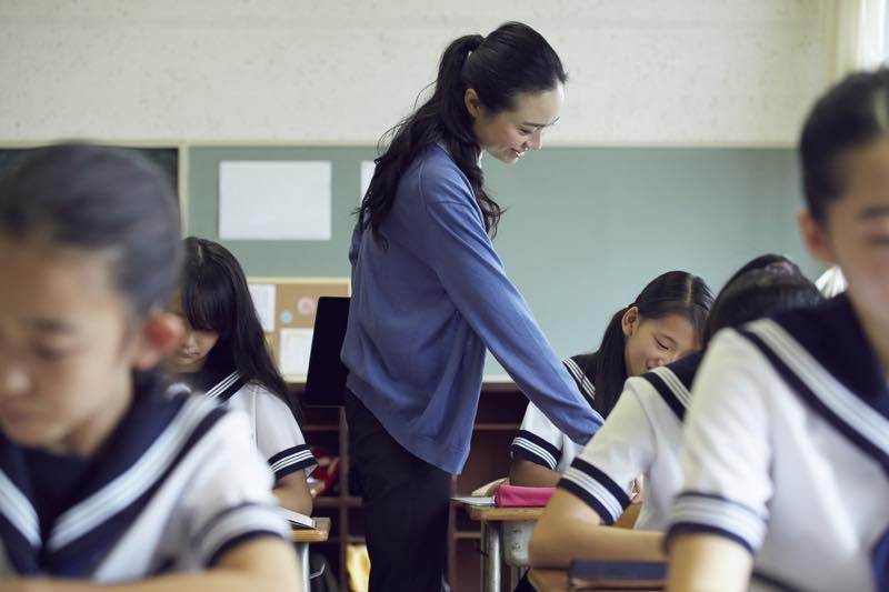 中学校教師_画像
