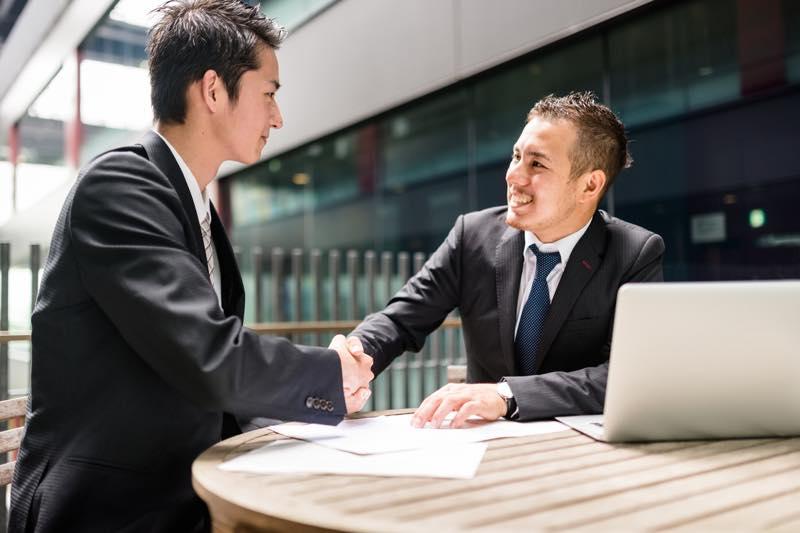 外交官の仕事内容・なり方・給料・資格など | 職業情報サイト キャリア ...