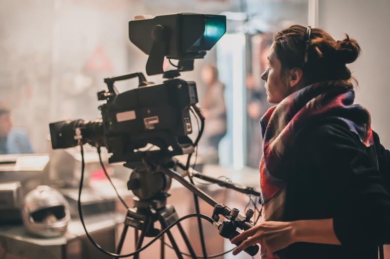 撮影監督(映画カメラマン)の仕事内容・なり方・給料・資格など ...
