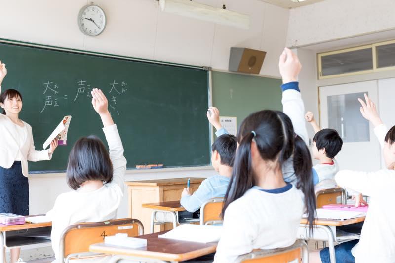 小学校教師_画像