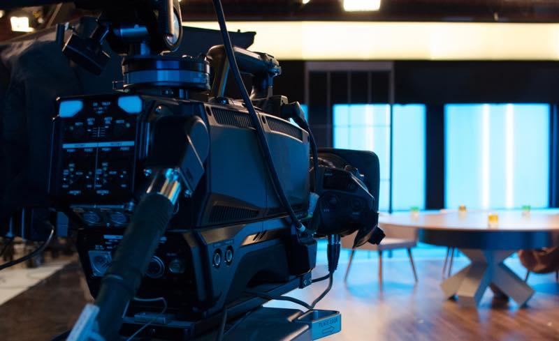 テレビカメラマン_画像